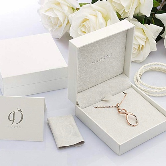 """Jewelry - """"Infinity Love"""" Rose Gold Plated Pendant Necklace"""